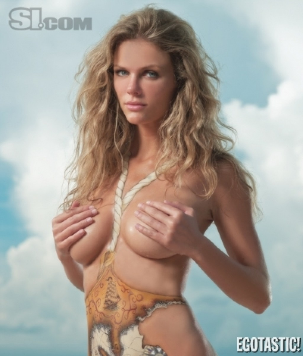 Brooklyn-Decker-SI-1024x1203