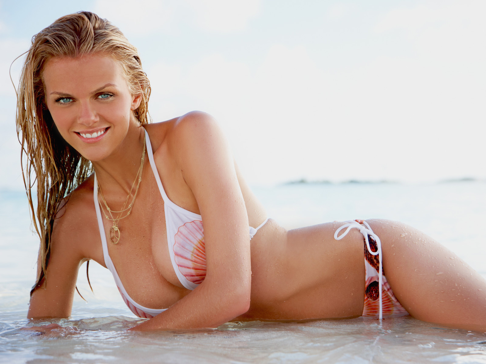 Brooklyn-brooklyn-decker-22804373-1600-1200