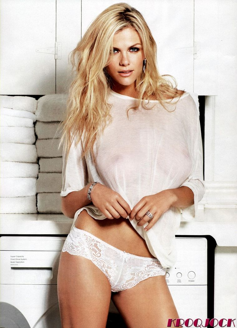 brooklyn-decker-esquire-magazine-photoshoot-february-2011-02