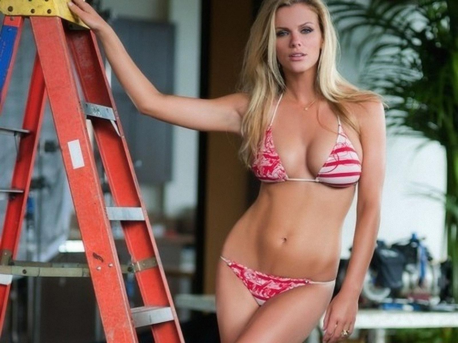 brooklyn_decker_2011_63699-1600x1200