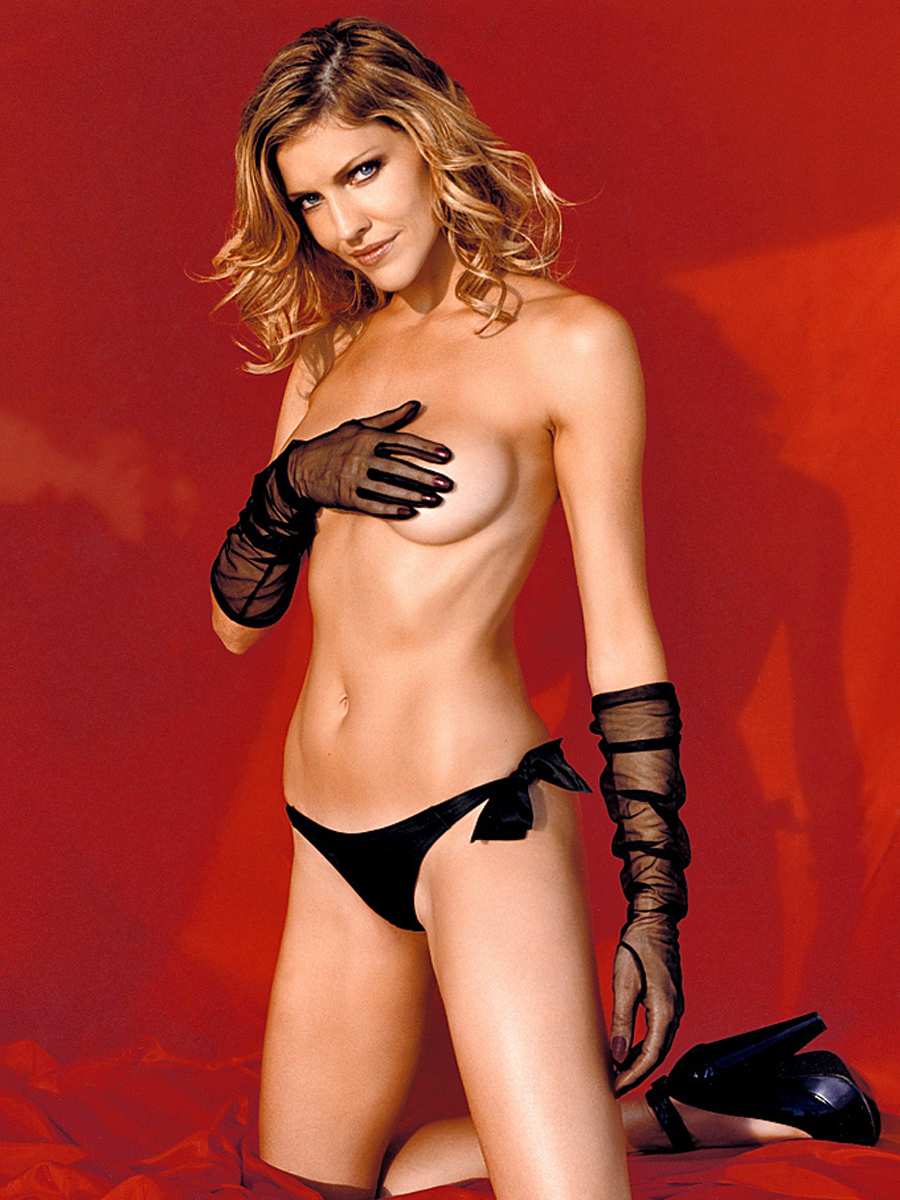 tricia-helfer-topless-pictorial-in-playboy-plus-07-900x1200