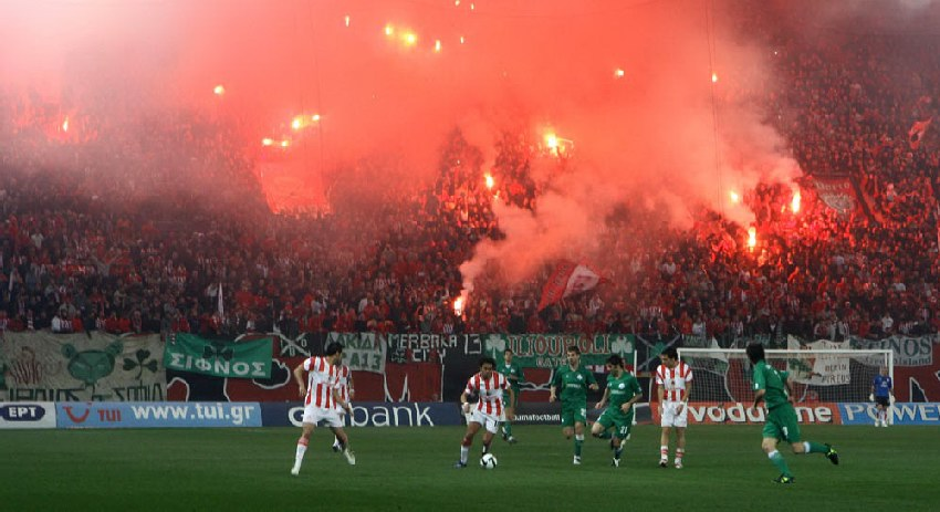 Super-League-2009-10_Olympiacos-Panathinaikos-A.O.-2-0-29.11.2009