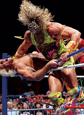 ultimate-warrior-takes-out-hulk-hogan