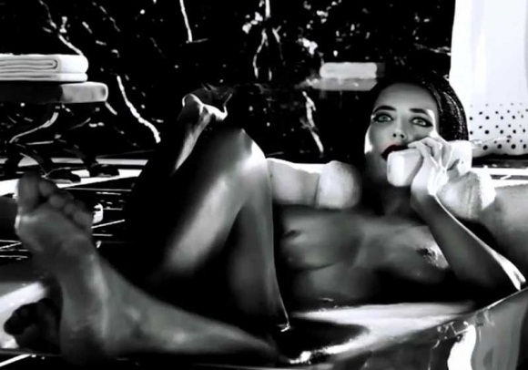 Eva-Green-Topless-in-Sin-City-A-Dame-to-Kill-For-07-580x435