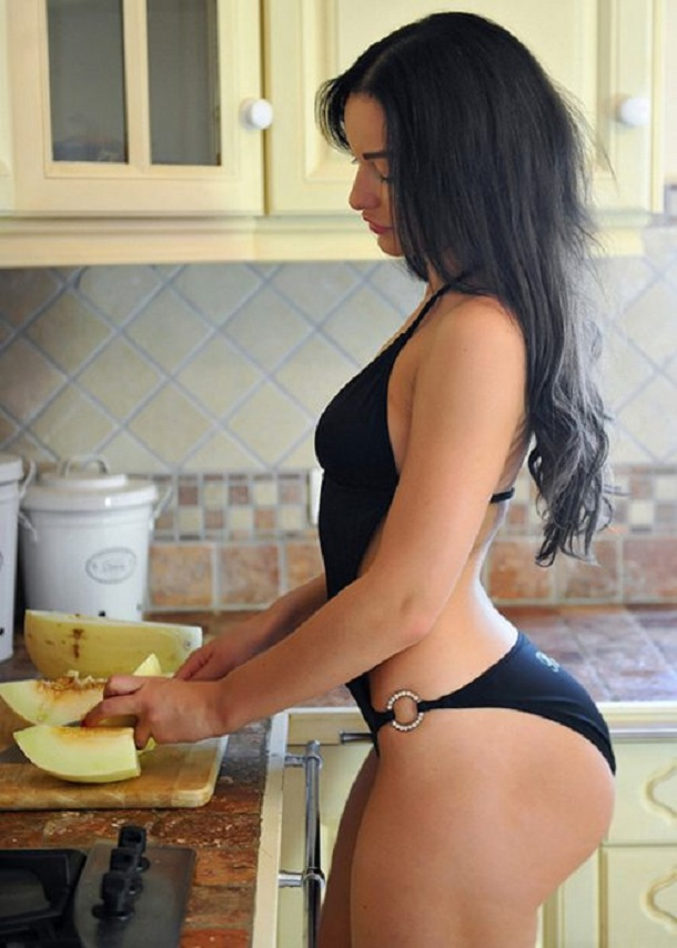 sexy-girls-kitchen-women-39