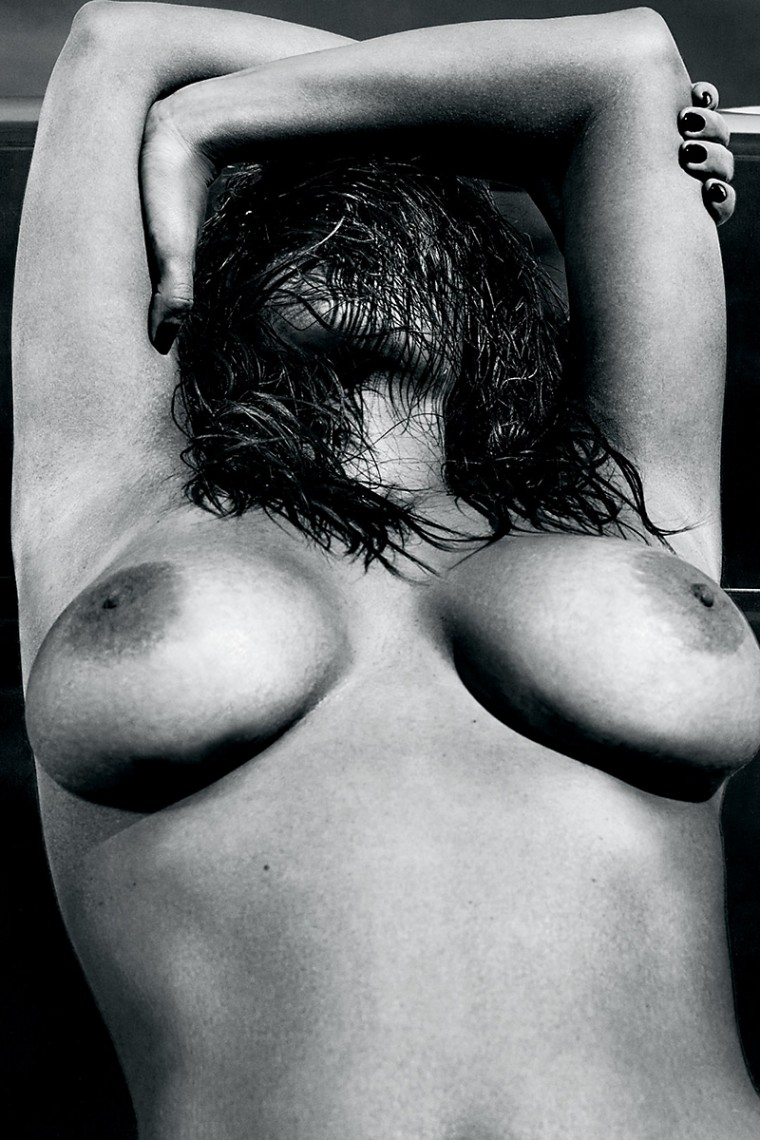 Kim-Kardashian-Nude-And-Eyebrowless-In-Love-Magazine-01-760x1140