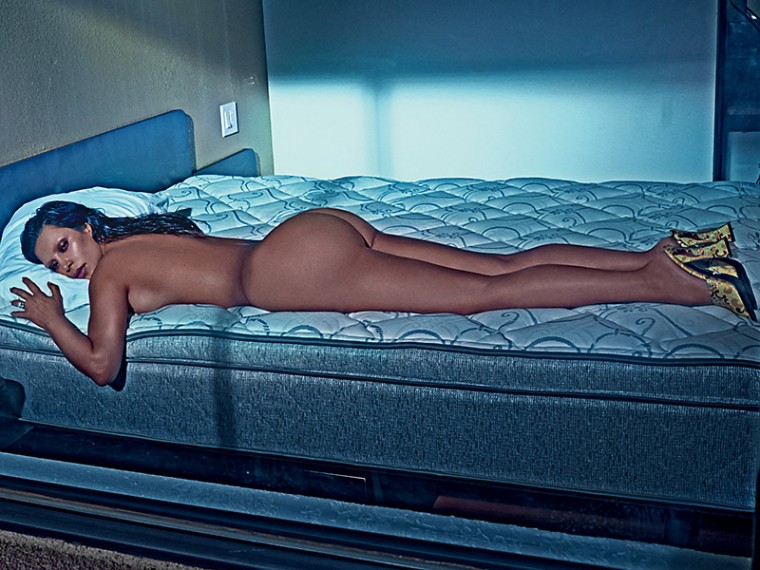 Kim-Kardashian-Nude-And-Eyebrowless-In-Love-Magazine-09-760x570