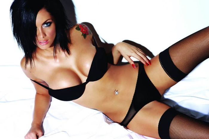 jessica-jane_clement_loaded_hot_3