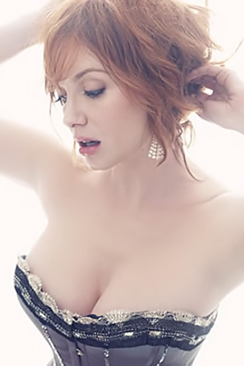 christina-hendricks-hot-pic-635c7