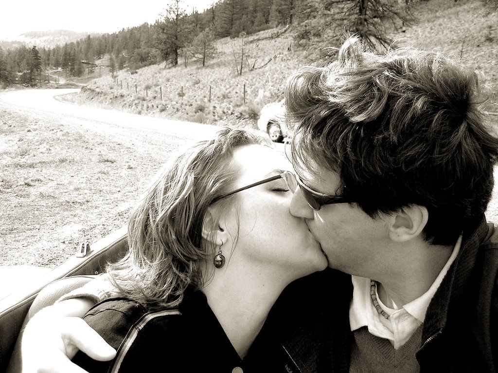 20-things-you-probably-didnt-know-about-kissing-3