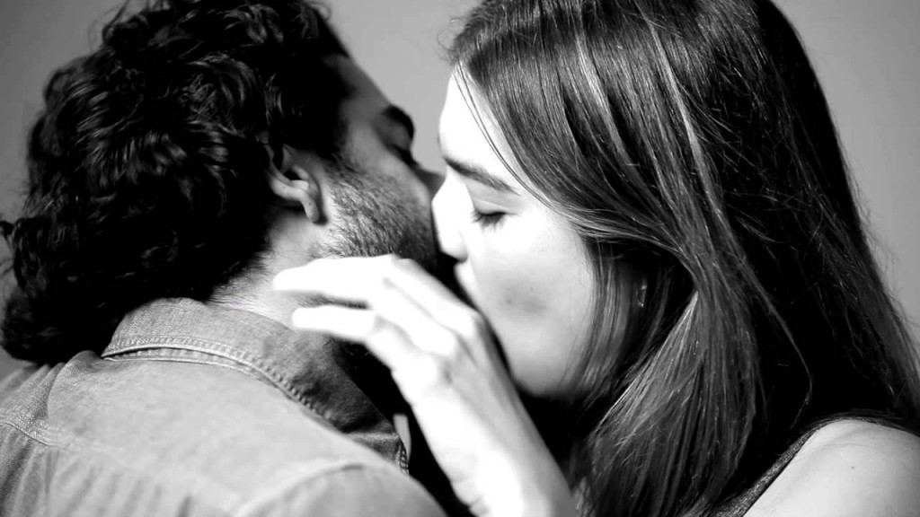 20-things-you-probably-didnt-know-about-kissing-7