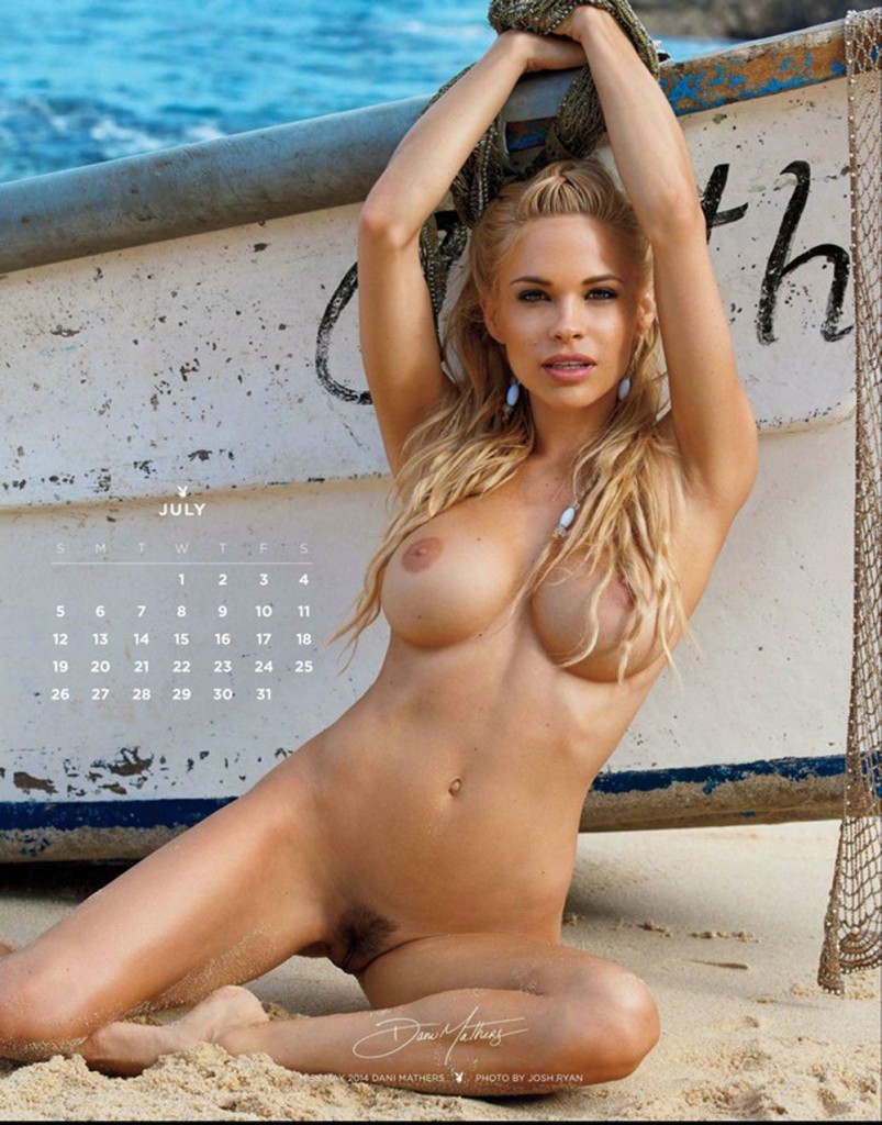 7.mini-Playboy_Playmate_Calendar_2015
