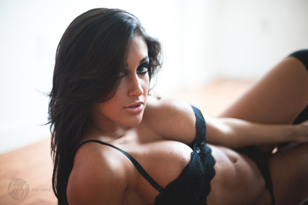 claudia-sampedro-The-Man-Cave-Daily-96