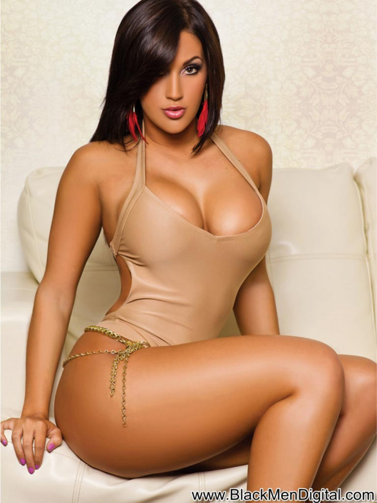 claudia-sampedro-blackmendigital-dynastyseries-036