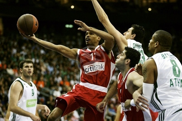 lynn-greer-olympiacos-final-four-berlin-2009