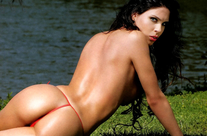 barbara-franco-topless-maxim-argentina-march-2011-06