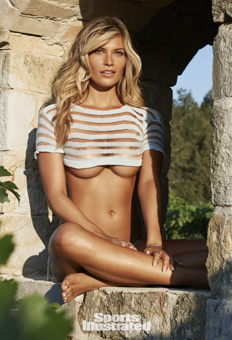 samantha-hoopes-in-sports-illustrated-swimsuit-2015-issue_2