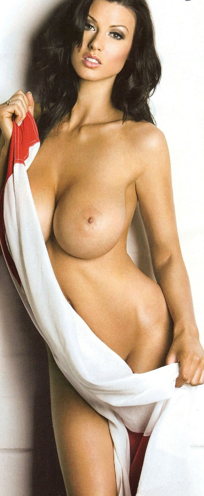 Alice-Goodwin-topless-8