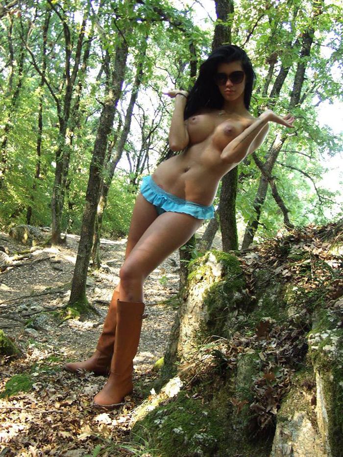 Maria-Liagouropoulou-topless-parnitha-kanoni-exclusive-1
