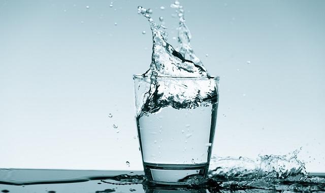 bigstock Water splash in glass Drinkin 191357449